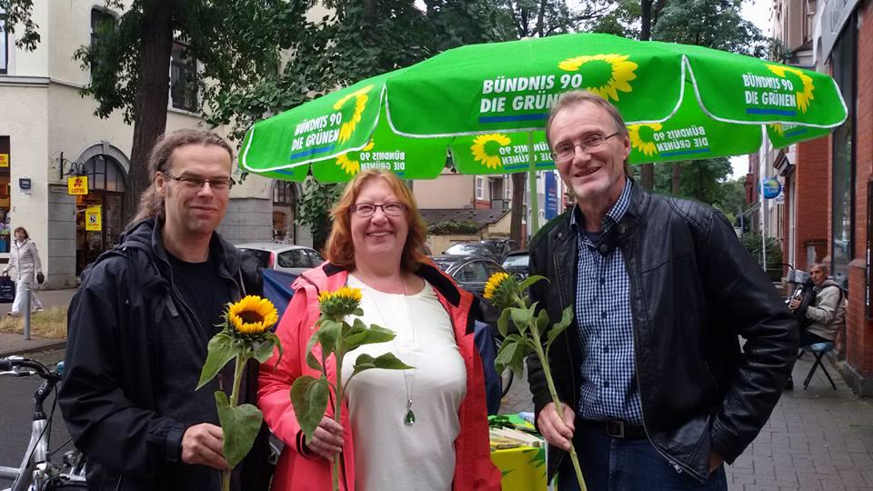 AmFielderplatz (Döhren) mit Claudia Meier und Thomas Schremmer