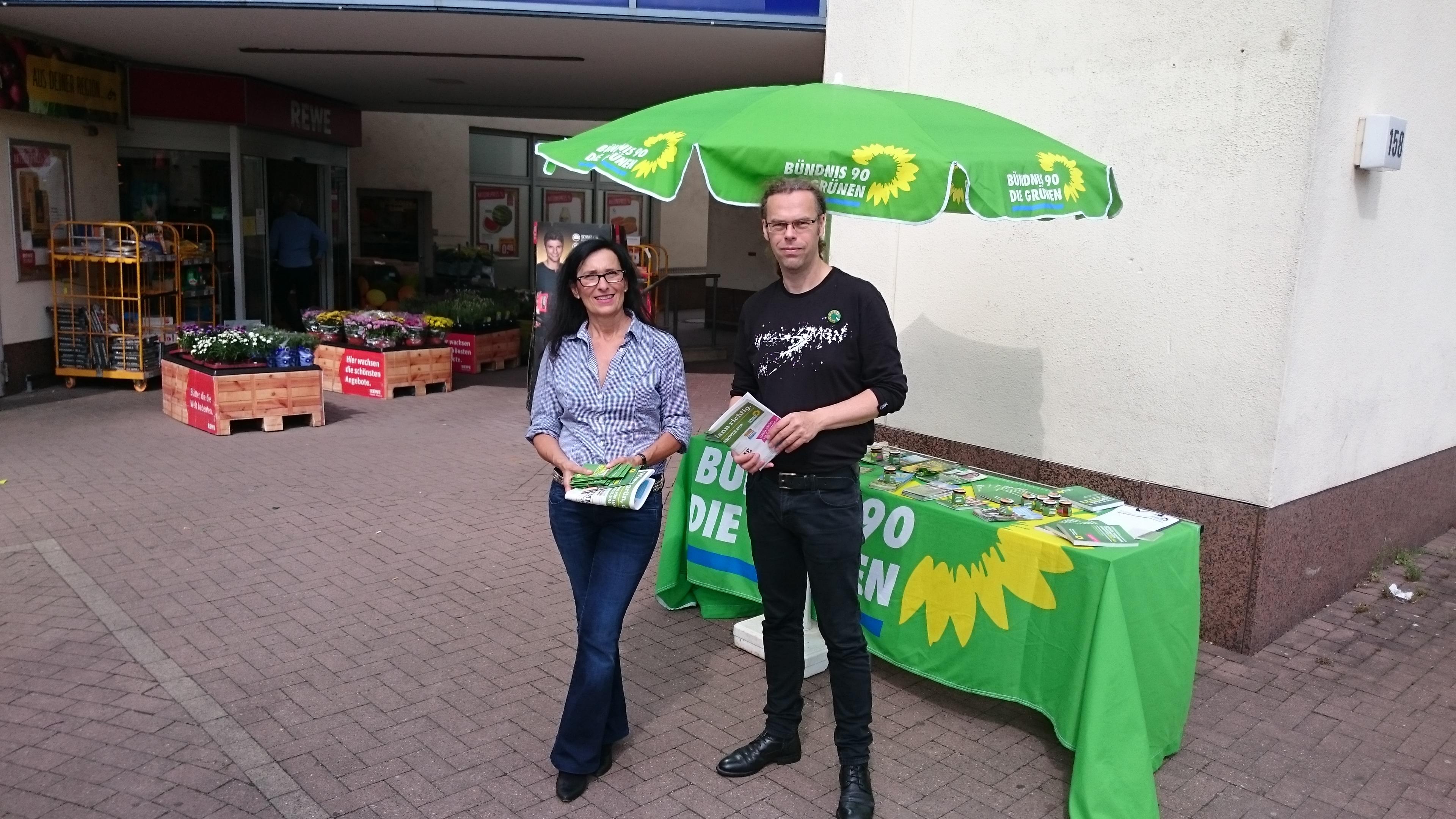 Am Spargelacker (Bemerode) mit Regine Kramarek (Ratskandidatin für Kirchrode Bemerode)